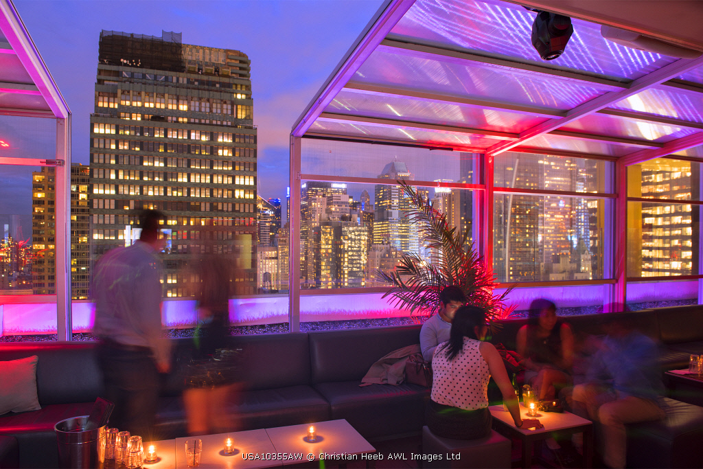 USA, East Coast, New York, Manhattan,Sky Room, Rooftop bar at Fairfield Inn